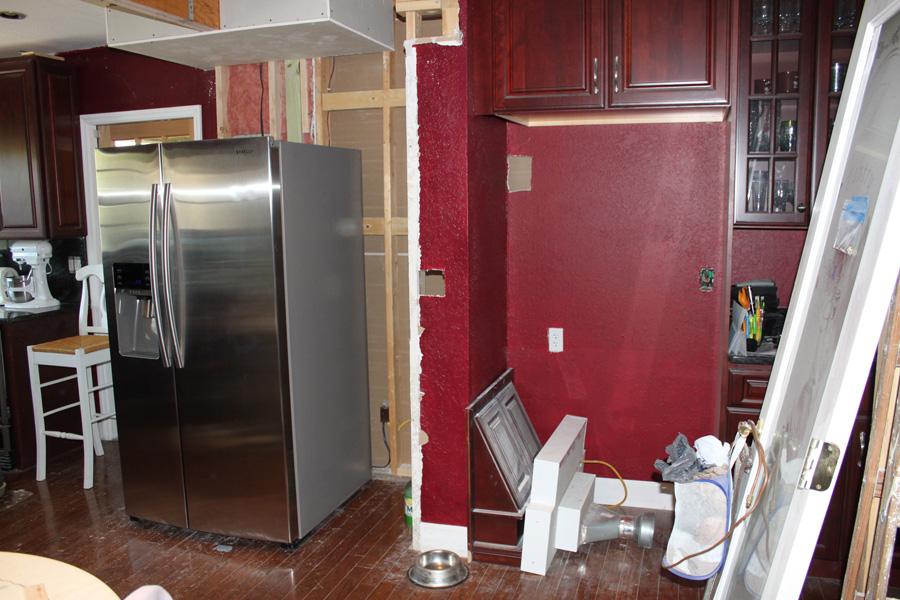 moving the fridge kitchen renovation part iv huebsch house chronicles. Black Bedroom Furniture Sets. Home Design Ideas